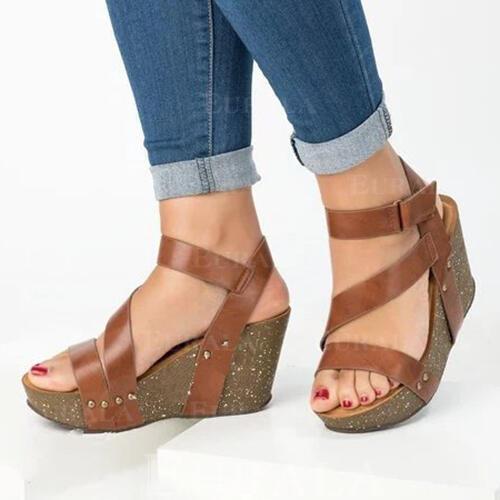 Kvinnor PU Kilklack Sandaler Peep Toe med Kardborre skor