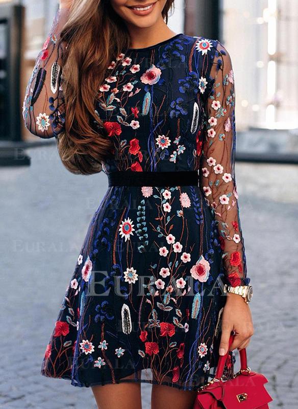 Haftowana/Kwiatowy Długie rękawy W kształcie litery A Nad kolana Elegancki Łyżwiaż Sukienki