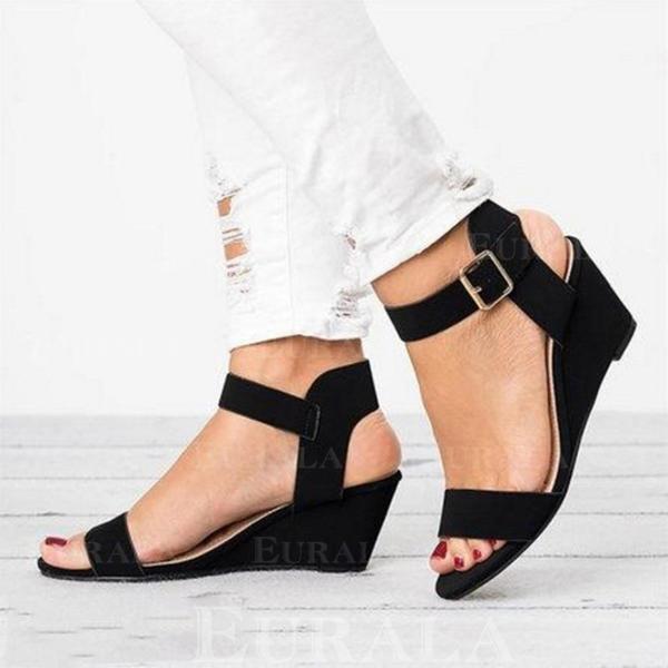 Kvinnor PU Kilklack Sandaler Kilar Peep Toe Klackar med Spänne skor