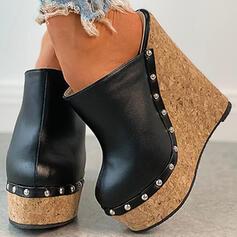 Насосы Платформа Закрытый носок клинья Круглый носок с заклепка Выдолбить обувь