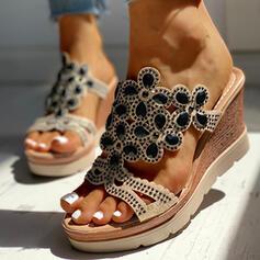 Kvinnor PU Kilklack Sandaler Tofflor med Strass skor
