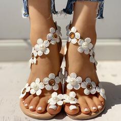 Mulheres PU Sem salto Sandálias Sem salto Anel de dedo do pé com Flor sapatos