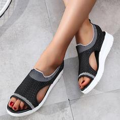 Kvinnor Tyg Kilklack Sandaler Kilar Peep Toe med Ihåliga ut skor