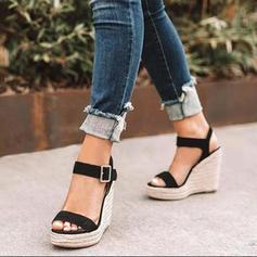 Kvinnor PU Kilklack Sandaler Pumps Peep Toe med Spänne skor