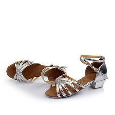 Bayanlar Latince Sandalet suni deri Ile Toka Oymak Latince