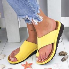 Konstläder Kilklack Sandaler Kilar Tofflor Tå ring Klackar med Andra skor