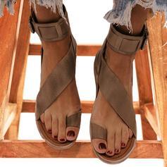 Mulheres Couro Sem salto Sandálias Peep toe Sapatos abertos com Fivela sapatos