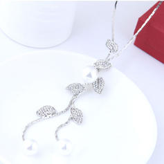 De moda Aleación Diamantes de imitación La perla de faux Señoras' Collar de la manera