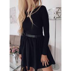 Jednolita Długie rękawy W kształcie litery A Nad kolana Mała czarna/Casual/Elegancki Łyżwiaż Sukienki