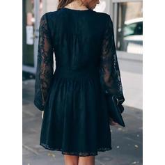 Koronka/Jednolita Długie rękawy W kształcie litery A Nad kolana Casual/Elegancki Łyżwiaż Sukienki