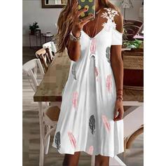 Imprimeu Dantel Mâneci Scurte Soğuk omuz kılıfı Shift Elbiseleri Deasupra Genunchiului gündelik/Tatil Elbiseler
