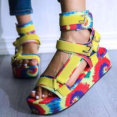 Mulheres PU Sem salto Sandálias Plataforma Peep toe com Oca-out Velcro sapatos