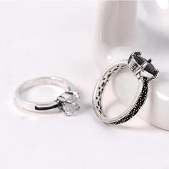 Divatos Ötvözet strassz -Val Hegyikristály Női Gyűrűk (6 pár készlet)