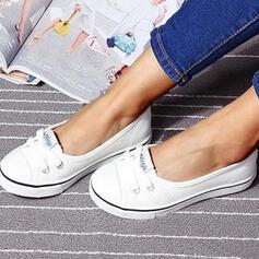 Mulheres Lona Sem salto Sem salto Toe rodada Escorregar em com Aplicação de renda sapatos