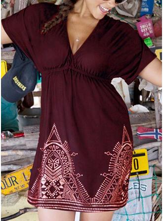 Pluss størrelse Trykk Kortermer A-line kjole Overknee Avslappet Ferie Kle