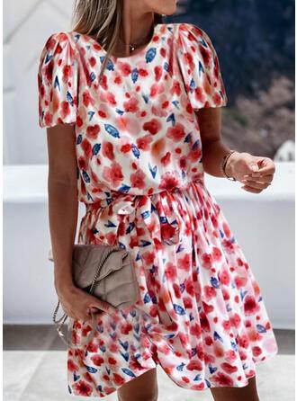 Imprimeu/Floral Mâneci Scurte Bir Çizgi Deasupra Genunchiului gündelik Patenci Elbiseler
