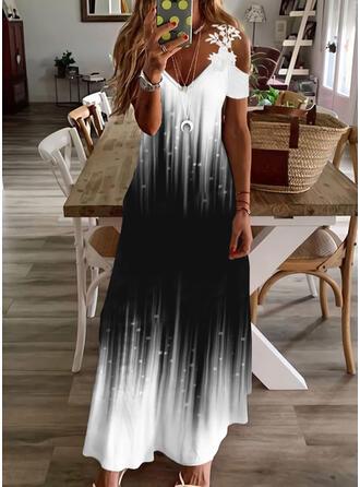 Imprimeu/Meyil Dantel Mâneci Scurte Soğuk omuz kılıfı Shift Elbiseleri gündelik/Tatil Maxi Elbiseler