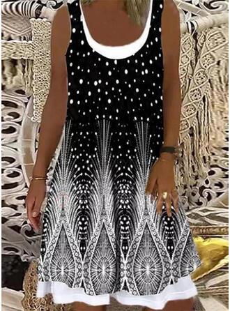 Распечатать безрукавный Прямые платья Длина колена Повседневная Платья