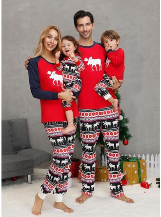 Ren Geyiği Aile Eşleşen Noel Pijamaları