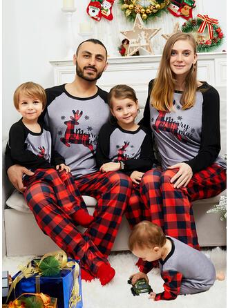 Ren Geyiği Renkli klişe Carouri Literă Aile Eşleşen Noel Pijamaları